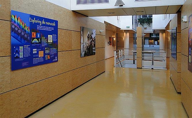 ESRF - panneaux de présentation- hall
